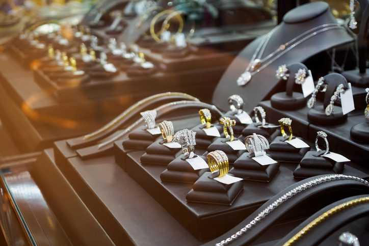 Why Shop at a Locally-Owned Jewelry Store?